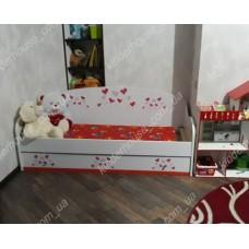 Кровать диван для девочек Сердечка красные